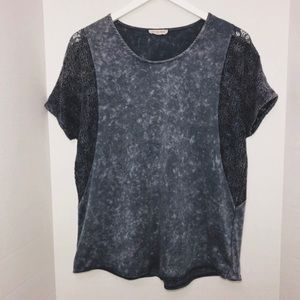 Wilton Park Gray lace shortsleeved Top Blouse Med